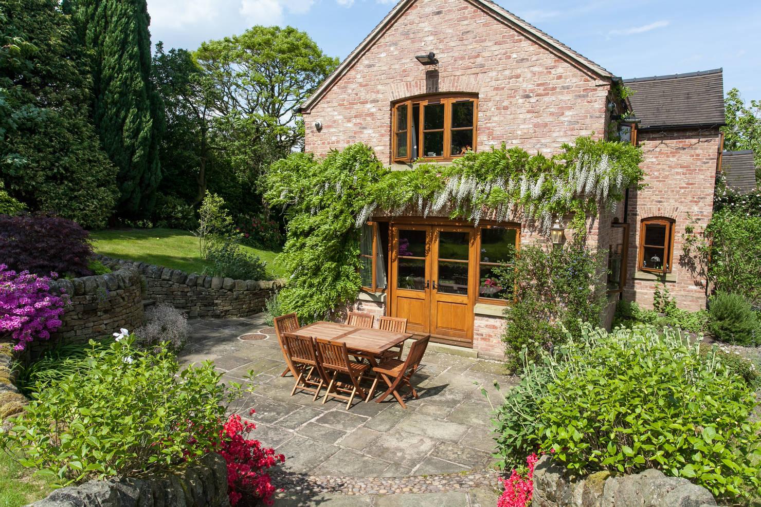 The Quintessential English Country Garden