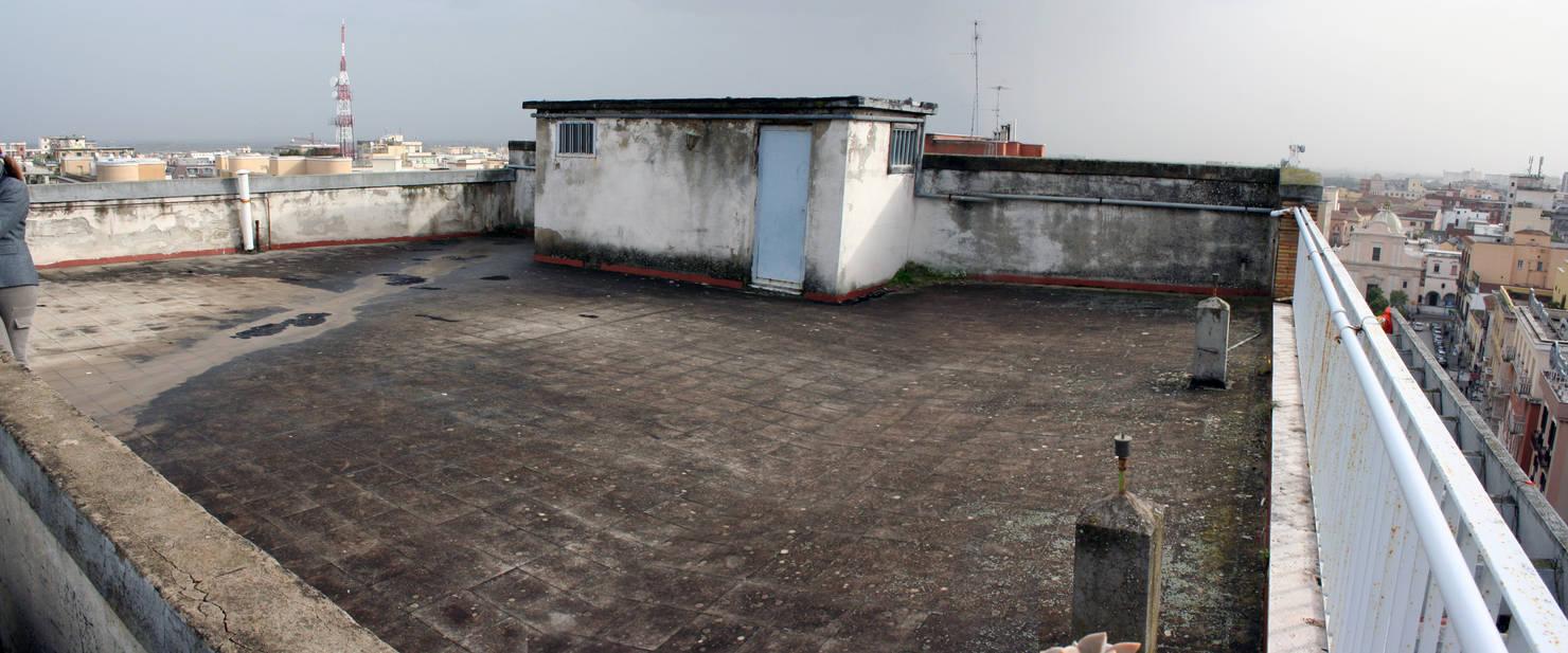Ils ont construit leur terrasse de rêve sur le toit