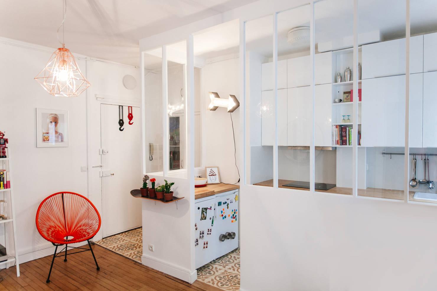 На фото - 9 идей для полуоткрытой кухни!