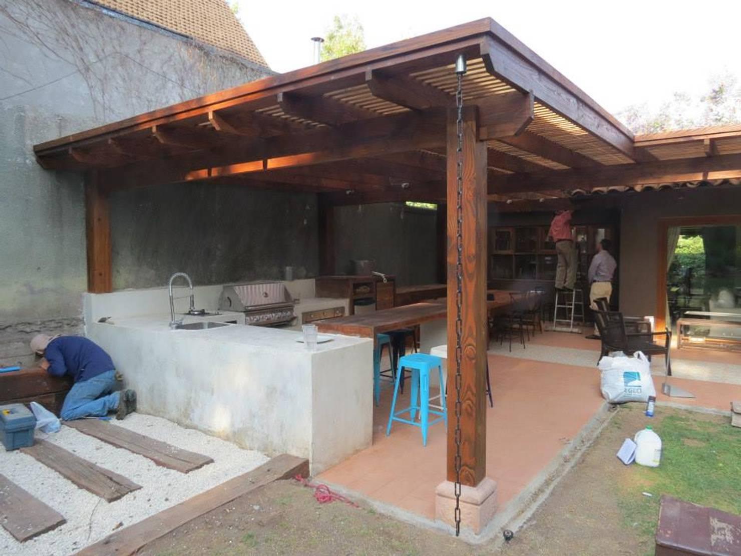 Costruire una Veranda con Barbecue in giardino?! Missione Compiuta!