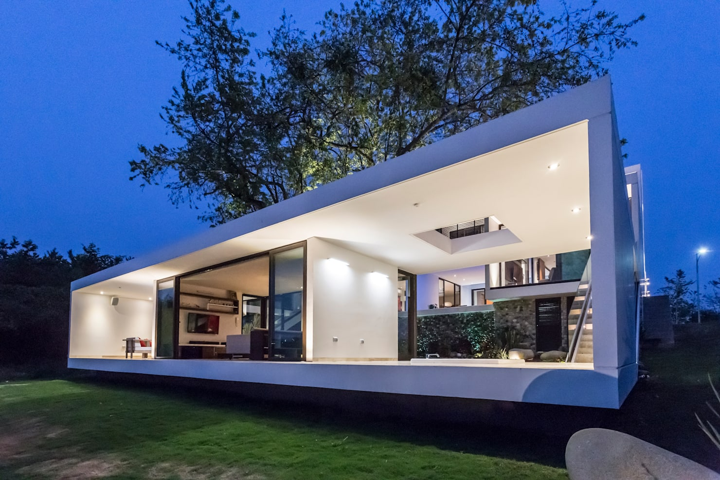 An ultramodern and creative house of 6200 ft²
