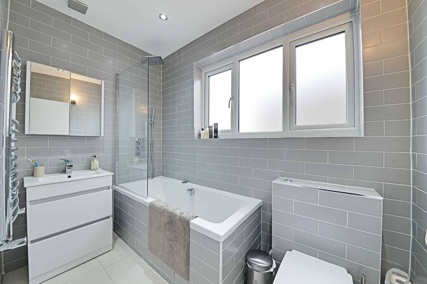 365일 쾌적하게. 건식 욕실을 위한 청소 꿀팁 6
