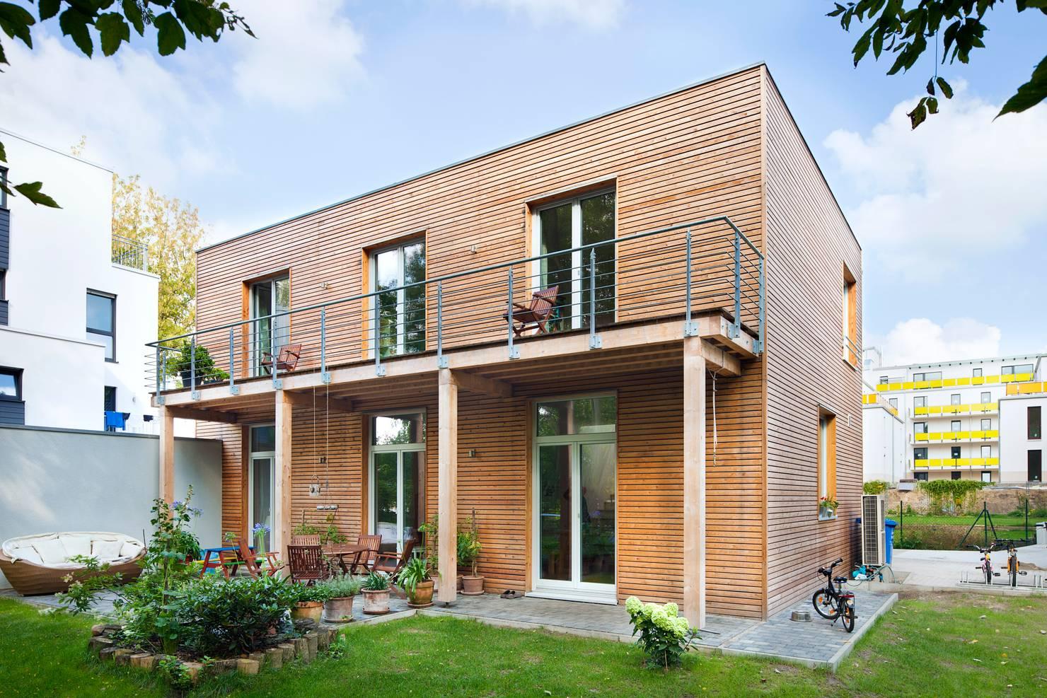 Ahşap kaplama cepheli, modern bir müstakil ev (planlarıyla birlikte!)