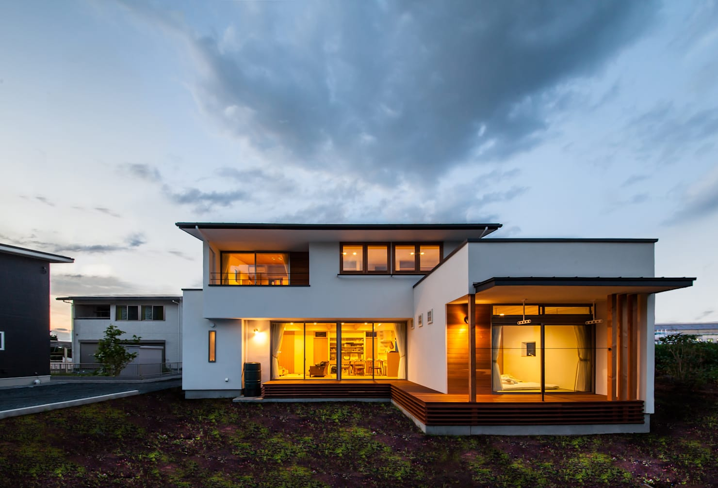 На фото - 10 отличных проектов домов в современном стиле