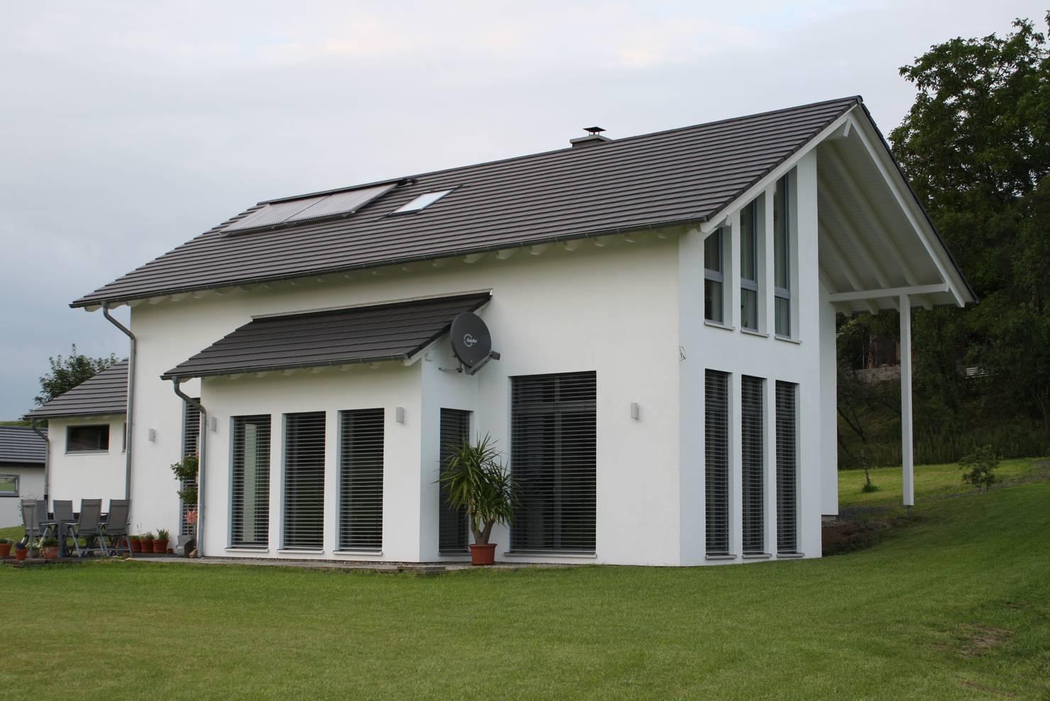 На фото - Немецкий дом со стильными интерьерами