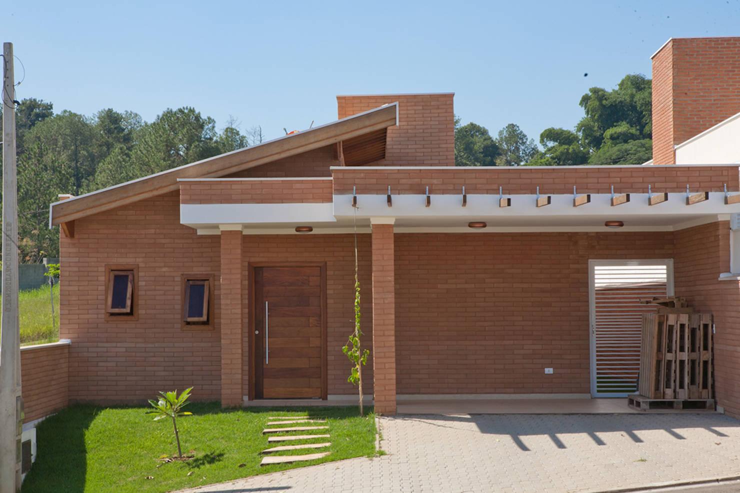Uma Linda Casa Brasileira Construída Com Materiais De Baixo Orçamento