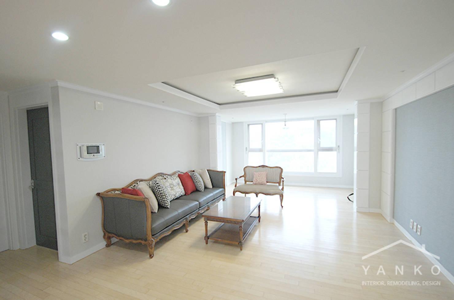 널찍한 공간감과 여유로운 분위기를 자랑하는 모던 스타일 아파트