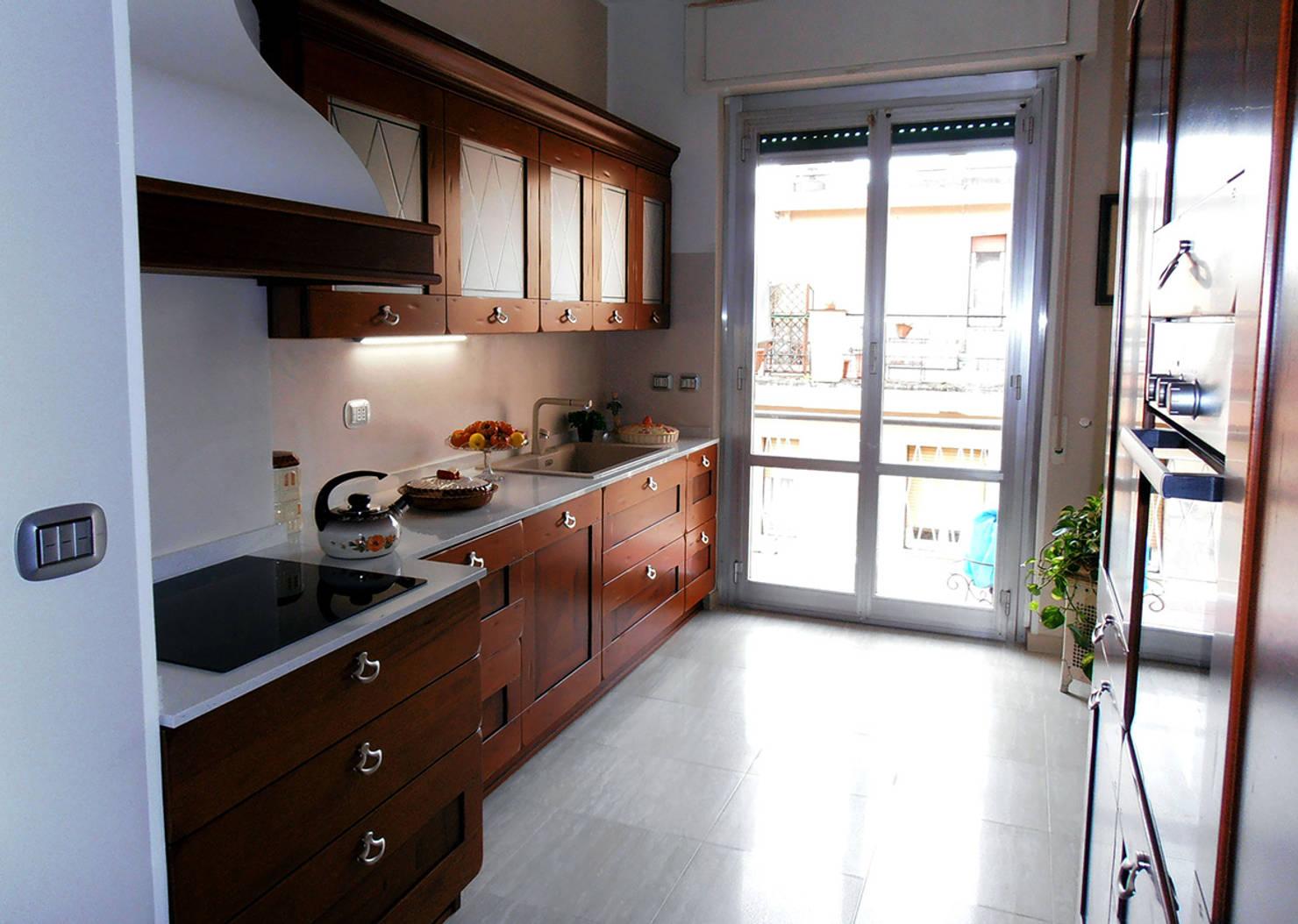 Una cocina de 15 metros cuadrados renovada a la perfección