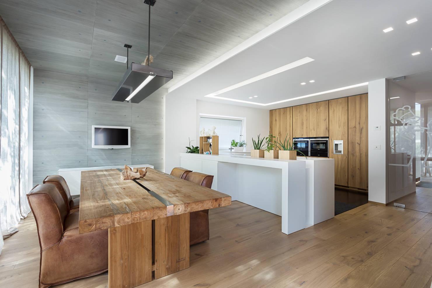 Una casa moderna que ha usado la madera de una forma fantástica
