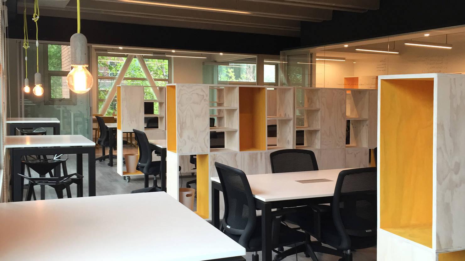 Oficinas modernas, vanguardistas, contemporáneas e innovadoras
