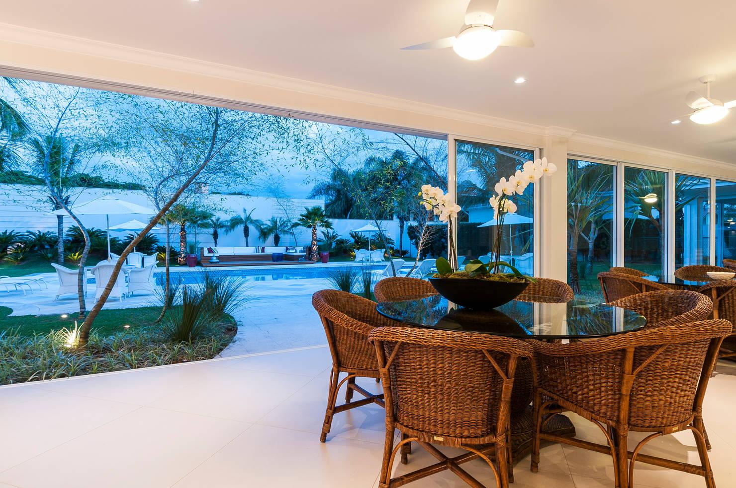 Elegante e com paisagismo espetacular: esta casa é encantadora!