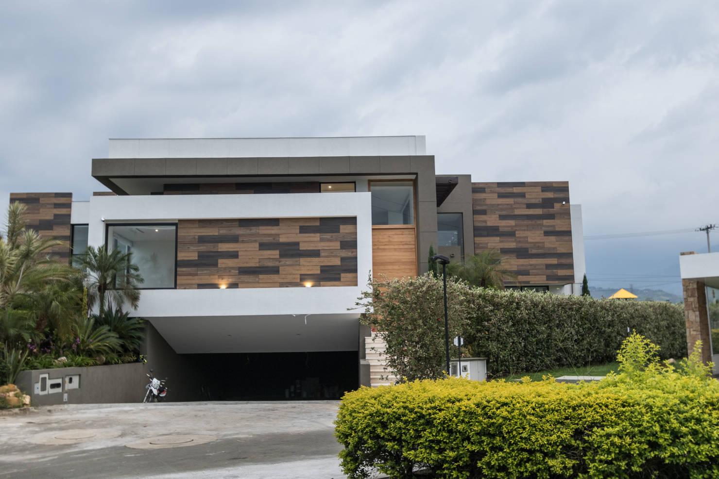 Diseño de una casa moderna con piscina en Cali