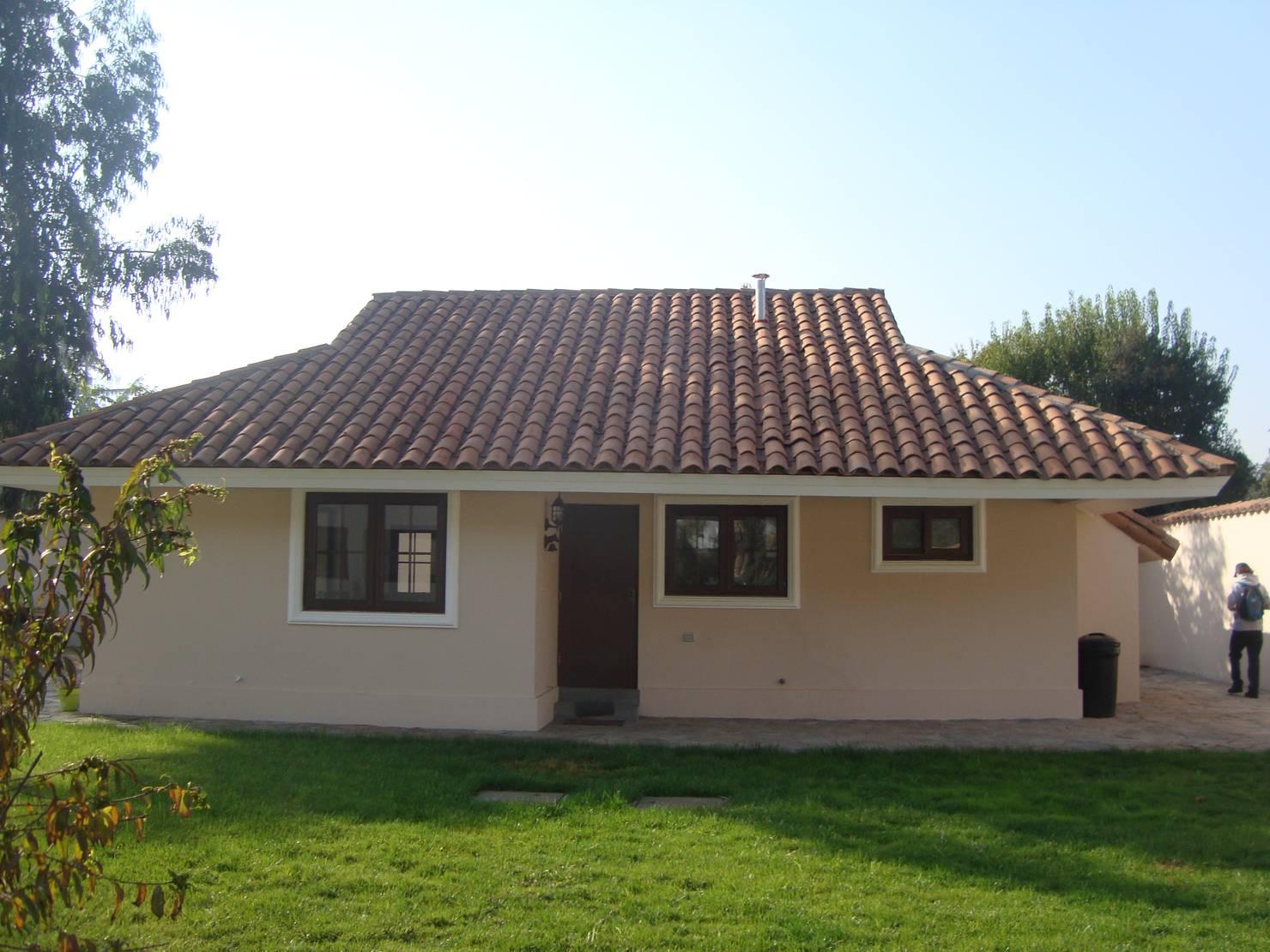 Una espectacular casa con techo de tejas