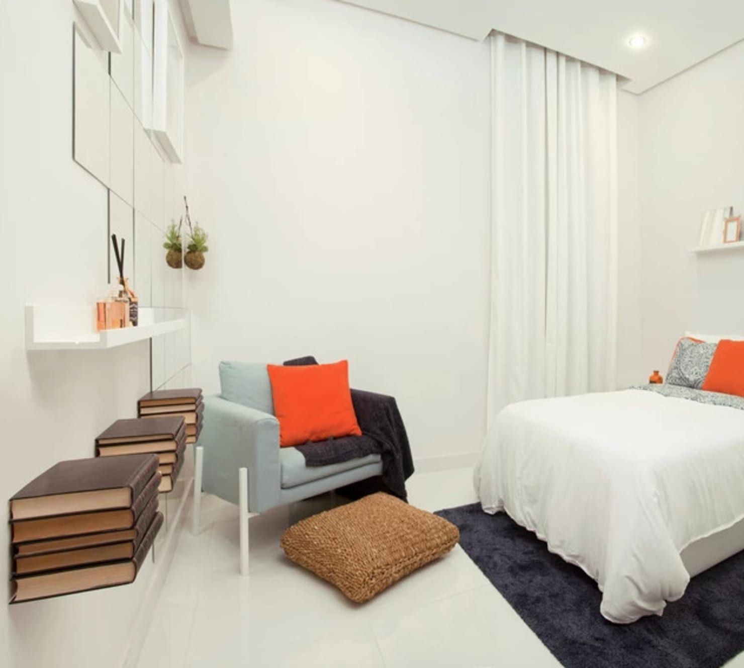 The Classy White Bedroom By Top London Designers: Flipboard: The Classy White Bedroom By Top London Designers