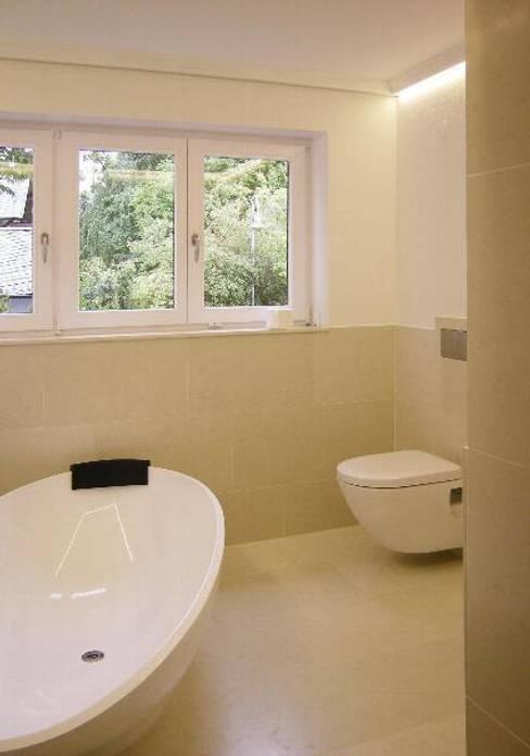 Privatwohnung Konstanz 2:  Badezimmer von Peter Rohde Innenarchitektur