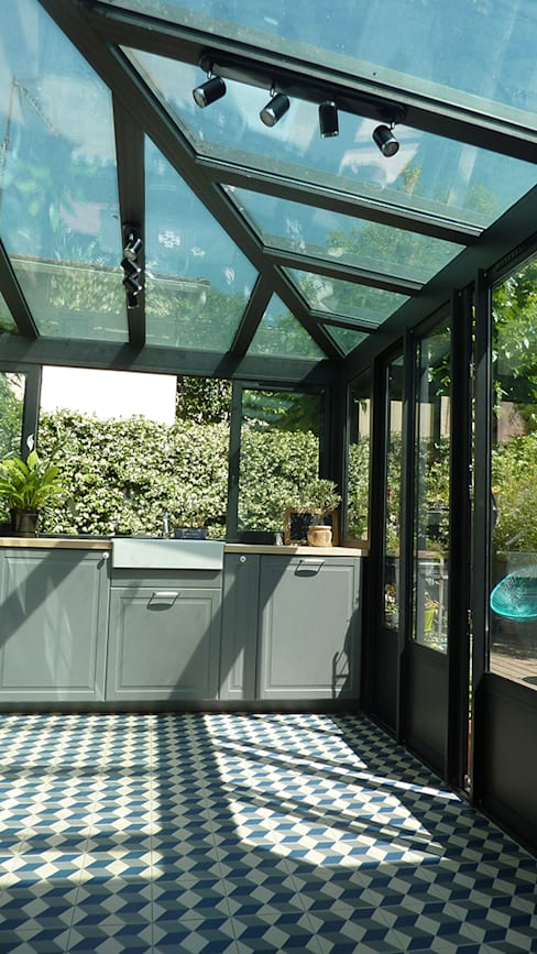 Kitchen by MAAD Architectes