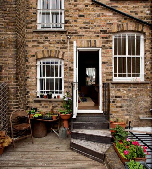 Casas de estilo  por MDSX Contractors Ltd