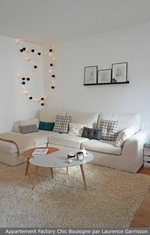 Appartement Factory Chic: Salon de style  par La Decorruptible