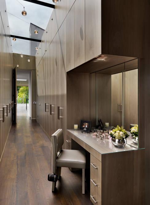 غرفة الملابس تنفيذ Gregory Phillips Architects
