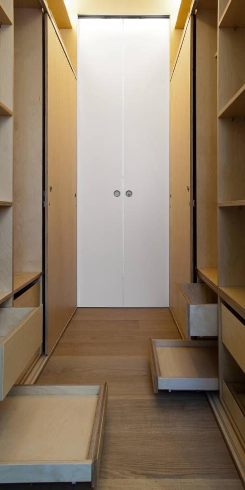 غرفة الملابس تنفيذ Giorgio Pettenò Architetti