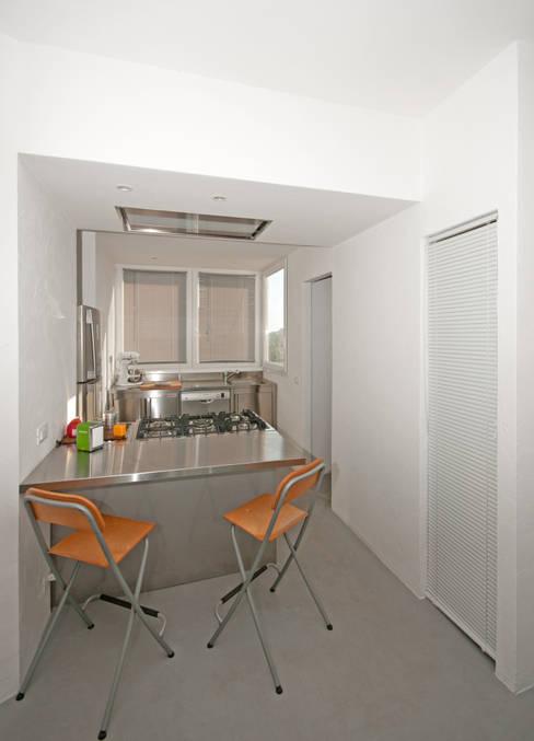 Kitchen by Fabiola Ferrarello architetto