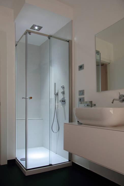 Ванная комната в . Автор – GAL srl