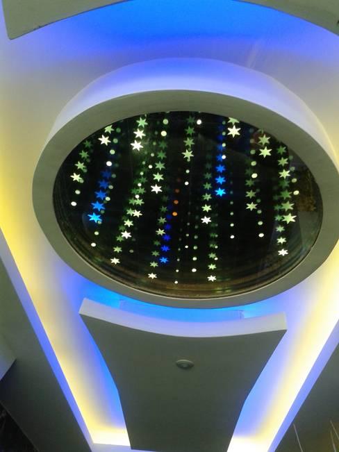 AZM DİZAYN – sonsuz tavan aynaları:  tarz İç Dekorasyon