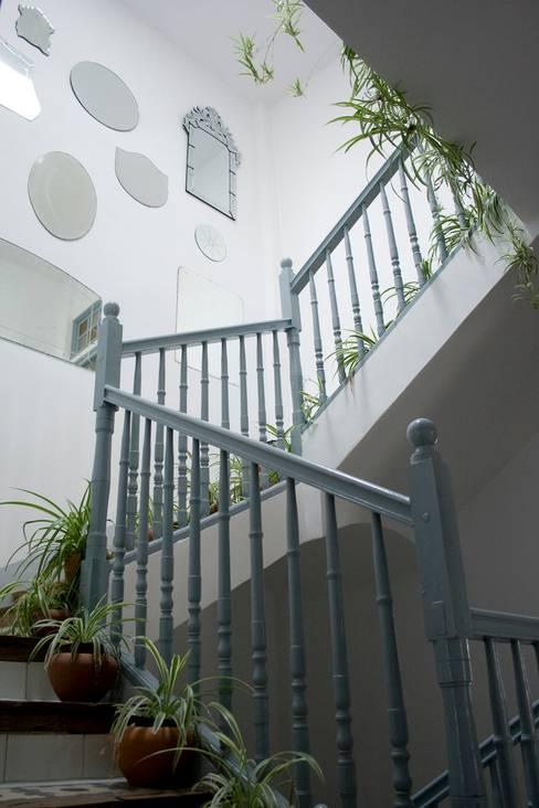 Corridor & hallway by Casa Josephine