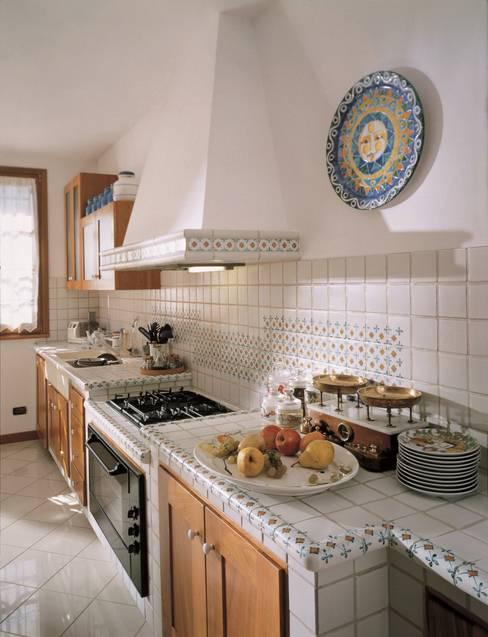 Cocinas de estilo  por Acquario Due