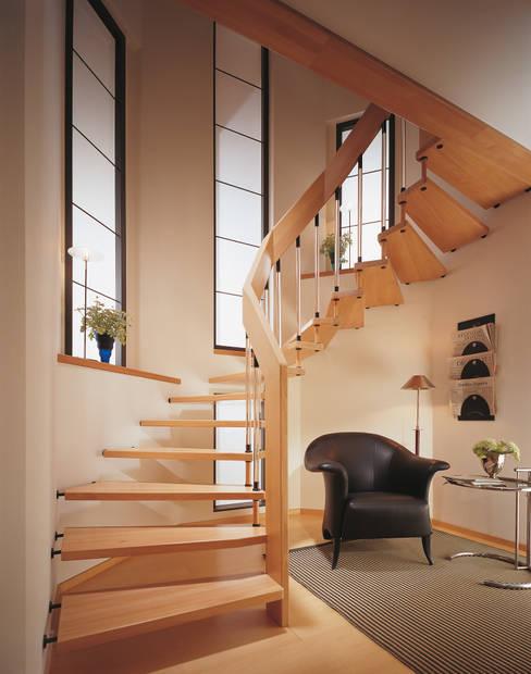 Bucher-Treppe:  Flur, Diele & Treppenhaus von Ramp Treppenbau
