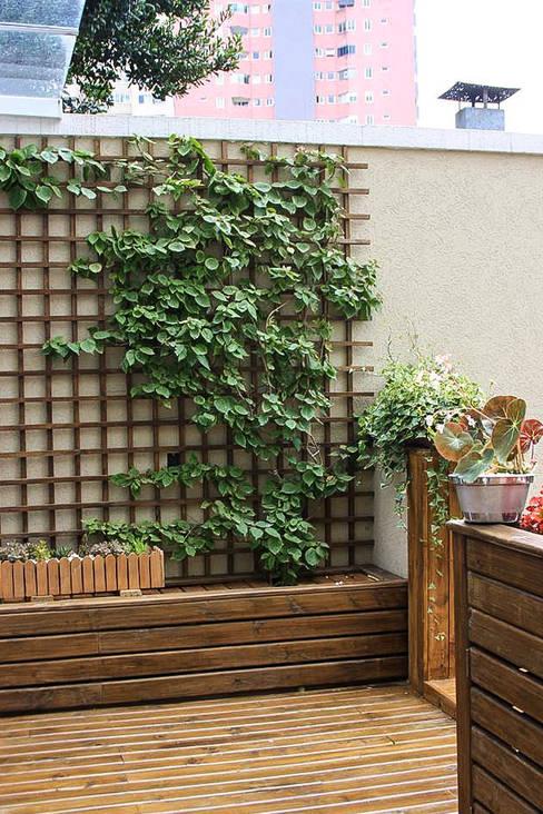 Varanda: Jardins  por Studio Gorski Arquitetura