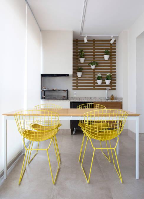 Varanda Gourmet: Terraços  por Decorare Studio de Arquitetura