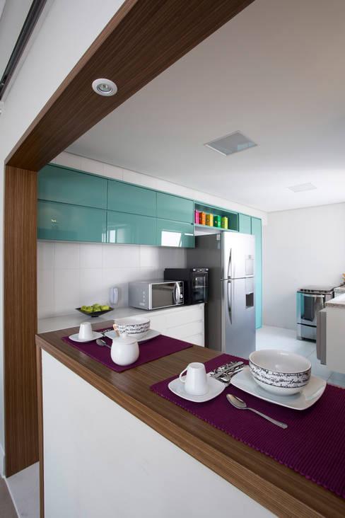 Cozinha americana: Cozinhas  por Decorare Studio de Arquitetura