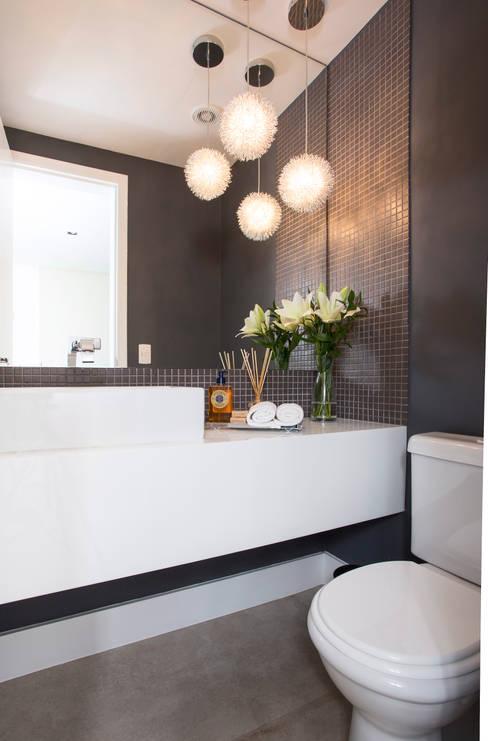 Lavabo: Banheiros  por Decorare Studio de Arquitetura