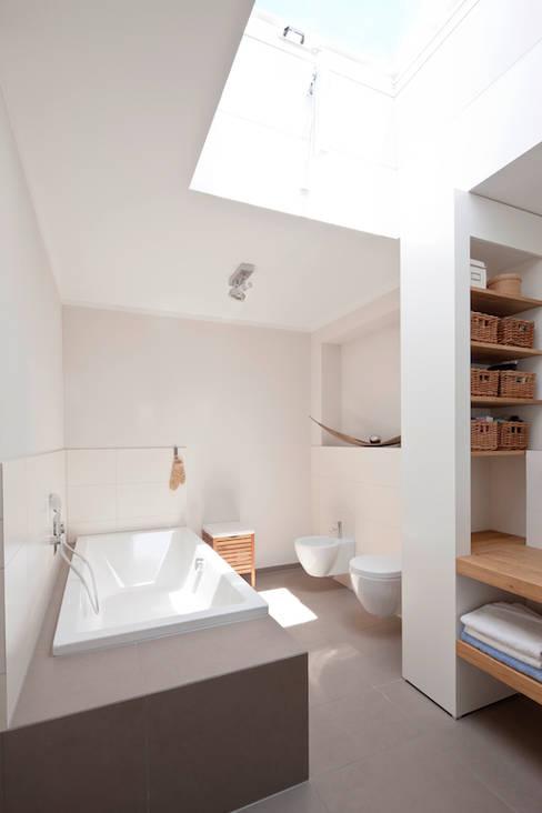 Projekty,  Łazienka zaprojektowane przez in_design architektur