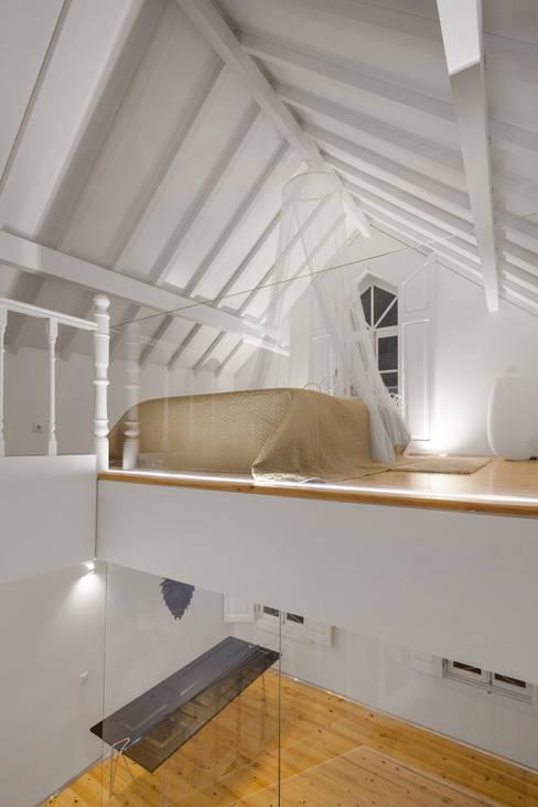 Tiago do Vale Arquitectos:  tarz Yatak Odası