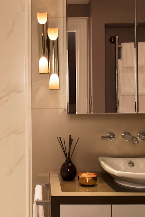 Bathroom by Roselind Wilson Design