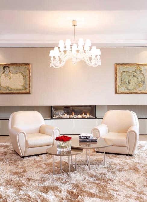 Living room by Roselind Wilson Design