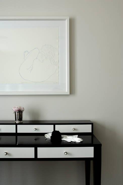 Chambre de style  par Roselind Wilson Design