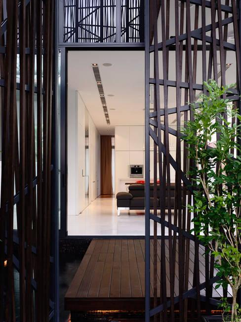 Casas de estilo  por HYLA Architects