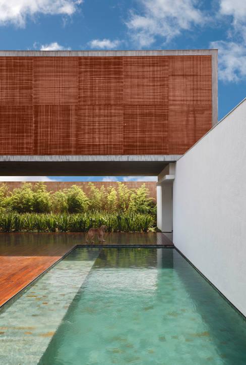 Giardino in stile  di Hanazaki Paisagismo