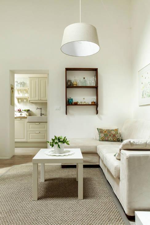 ห้องนั่งเล่น by Tommaso Bettini Architetto