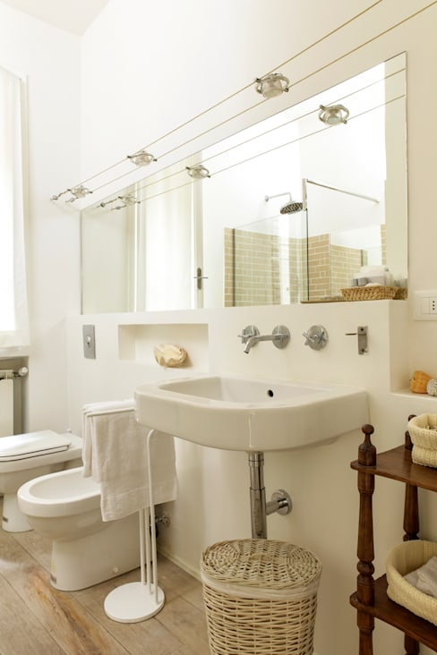 浴室 by Tommaso Bettini Architetto