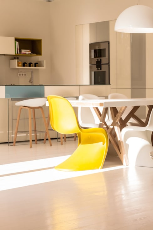 Villa design sud de la France: Cuisine de style  par diane Falavel interior design