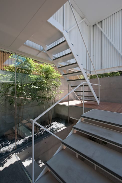 Ingresso & Corridoio in stile  di Yaita and Associaes