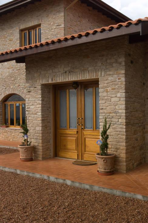 Casas de estilo  por Tikkanen arquitetura