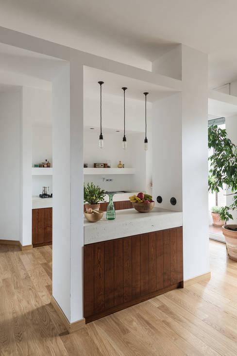 Cocinas de estilo  de Concrete LCDA