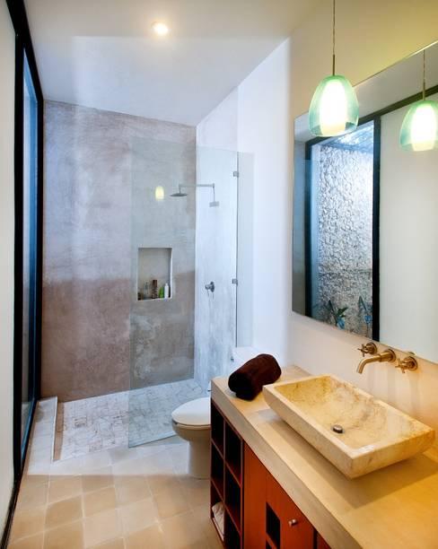 ห้องน้ำ by Taller Estilo Arquitectura