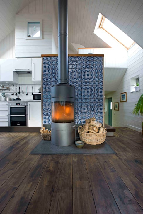 Living room by Coast2Coast Architects