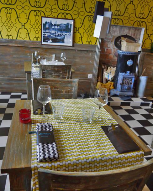 TORCHON / DISH TOWEL damier yellow: Cuisine de style  par décoratoire